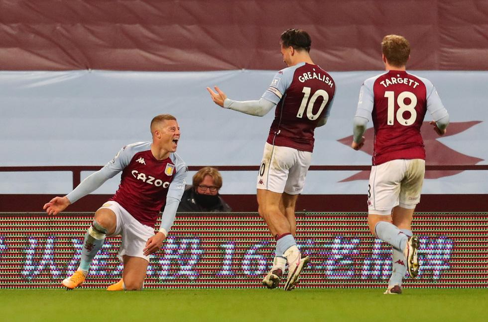 Những khoảnh khắc ấn tượng trong ngày Man Utd, Liverpool cùng bị nhấn chìm - Ảnh 19.