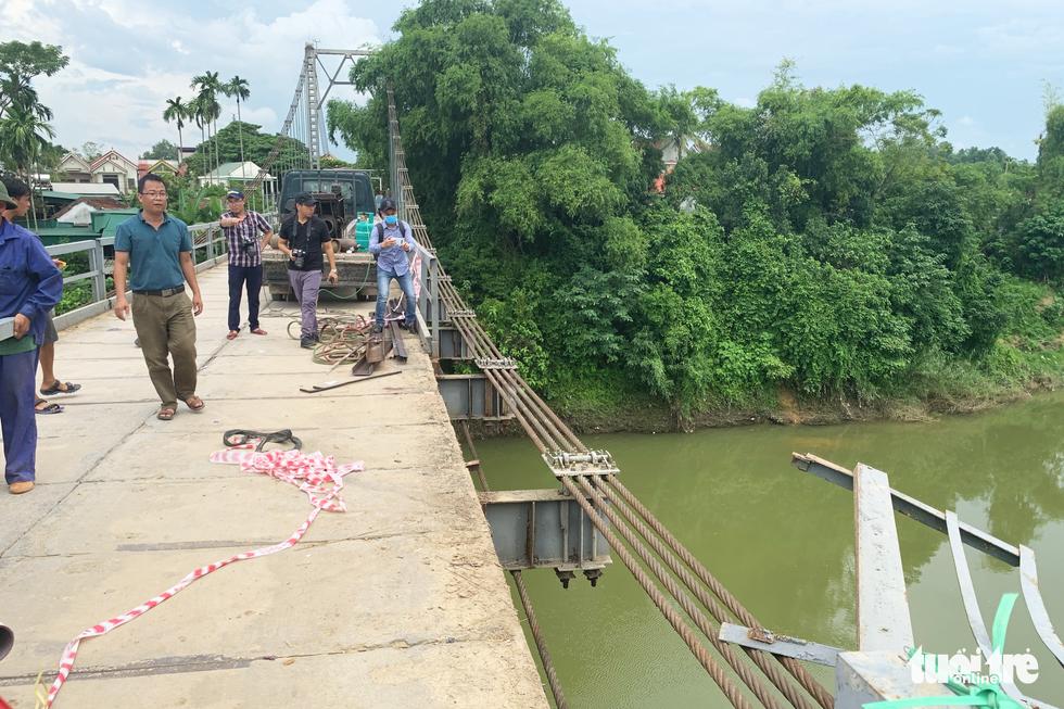 Cận cảnh cầu treo sông Giăng vụ ôtô tông xe máy rơi xuống sông, 5 người chết - Ảnh 6.