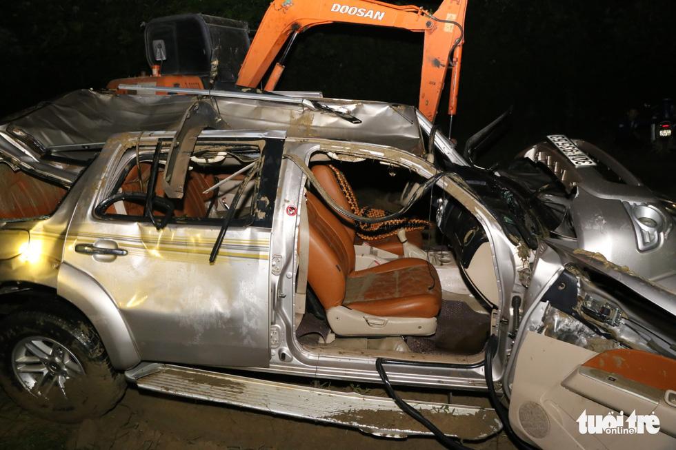 Cận cảnh cầu treo sông Giăng vụ ôtô tông xe máy rơi xuống sông, 5 người chết - Ảnh 2.