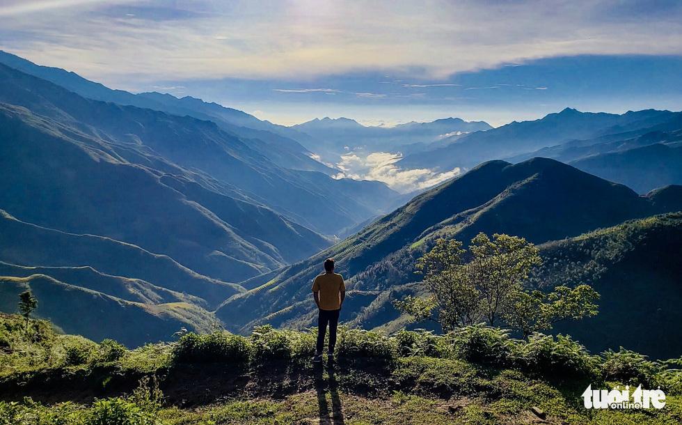 Biển mây ôm núi, vờn gió ở Háng Đồng - Ảnh 6.