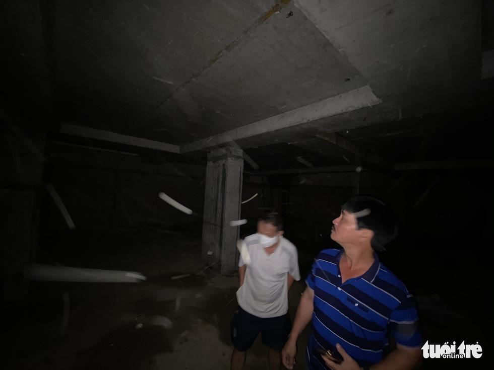 Vô trong nhà 5 tầng nổi, 4 tầng hầm: Hầm rộng mênh mông, tối om, sâu hun hút... - Ảnh 6.