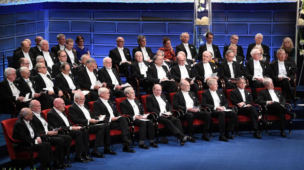 Đến khi nào Nobel văn chương mới bớt Âu tâm? - Ảnh 1.