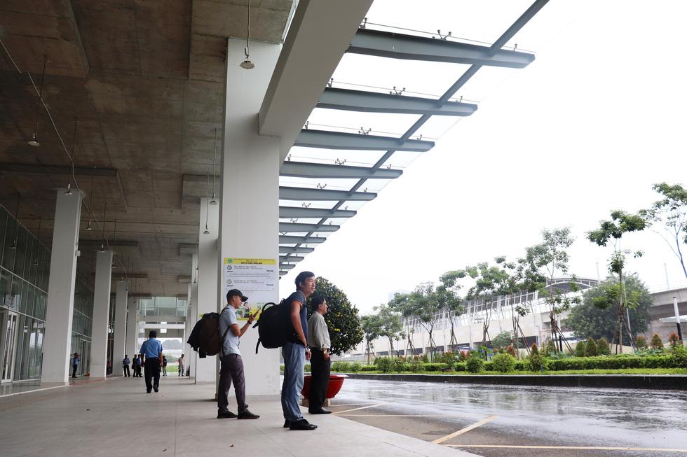 Cận cảnh bến xe Miền Đông mới hiện đại và lớn nhất nước - Ảnh 13.