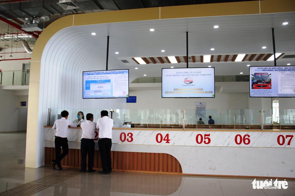 Cận cảnh bến xe Miền Đông mới hiện đại và lớn nhất nước - Ảnh 9.