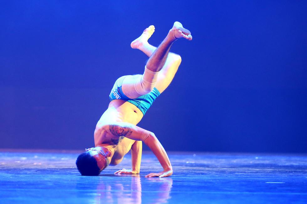 Cuộc thi tài năng biểu diễn múa 2020, đêm khai mạc đã đẹp đến say lòng - Ảnh 8.