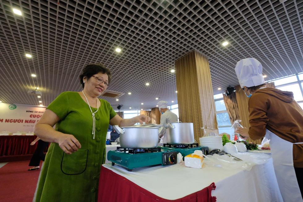 Đã mắt với vòng thi sơ khảo Đi tìm người nấu phở ngon tại Hà Nội - Ảnh 9.
