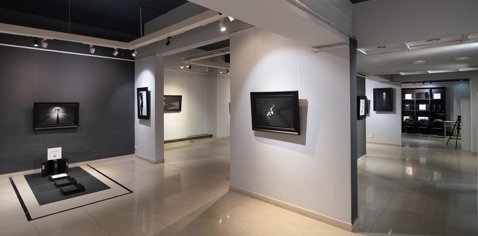 Ấn tượng 39 ảnh khỏa thân đen trắng của Hạo Nhiên - Ảnh 10.