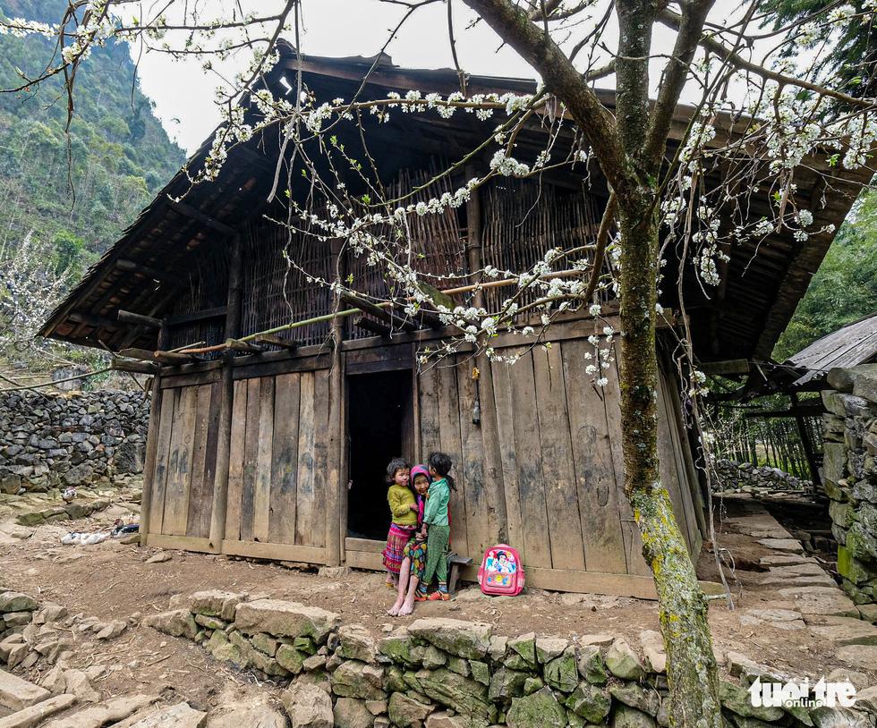 Có nên thu phí để phát triển du lịch cao nguyên đá Đồng Văn? - Ảnh 11.