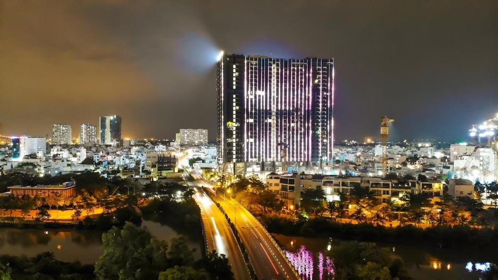 Chi 3 triệu USD lắp đèn led cho tòa tháp S1 - Ảnh 2.