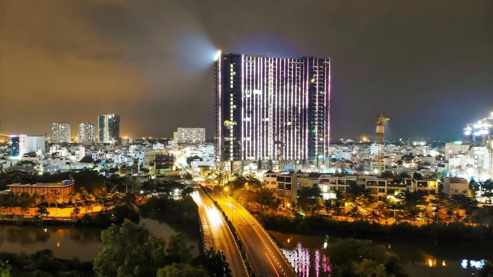 Chi 3 triệu USD lắp đèn led cho tòa tháp S1 - Ảnh 4.