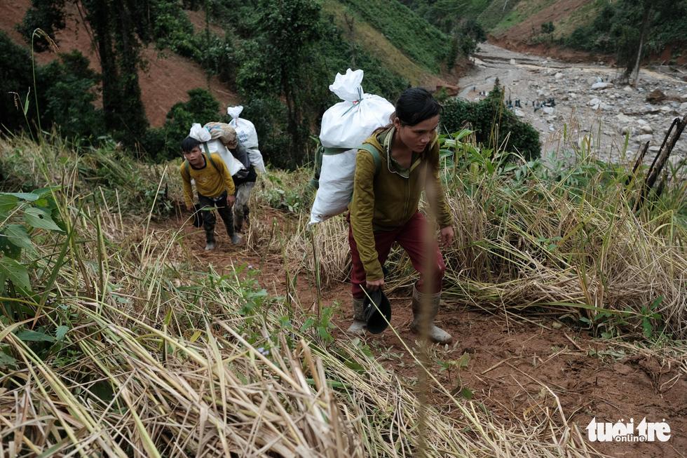Người dân buồn bã vì tan hoang vụ lúa rẫy vùng sạt lở Phước Sơn - Ảnh 8.