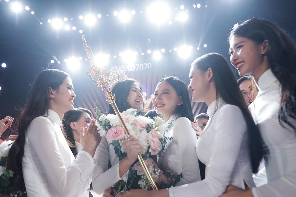 Tân Hoa hậu Việt Nam: Dù có là hình mẫu hay không, tôi sẽ truyền cảm hứng cho giới trẻ - Ảnh 4.