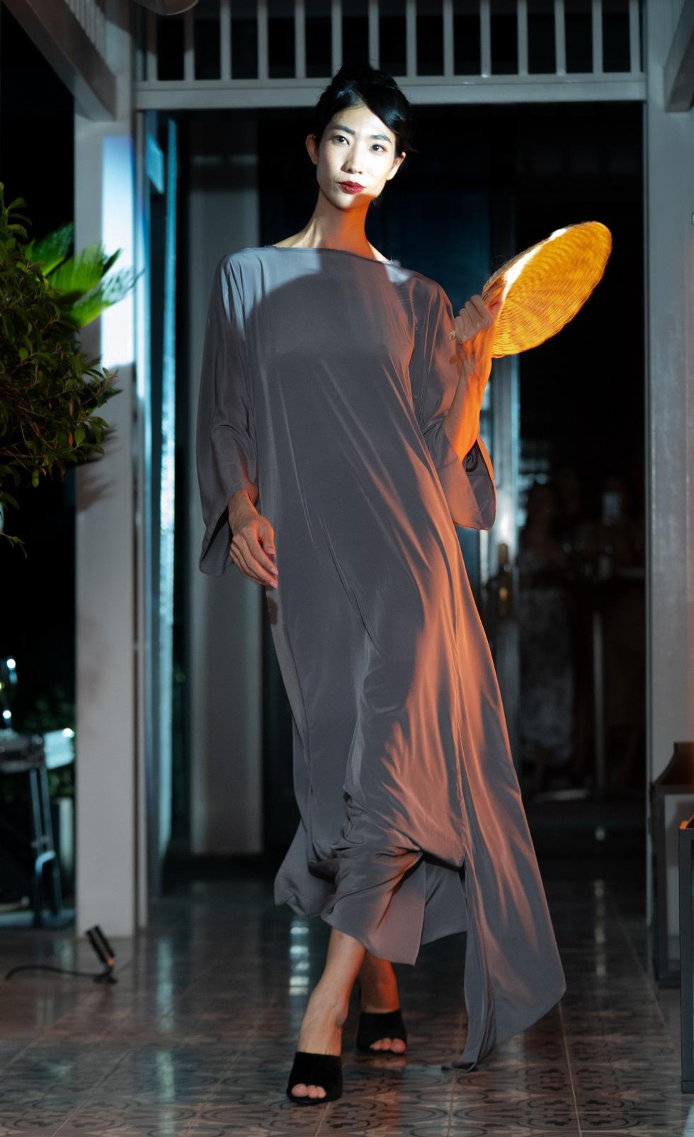 Nhà thiết kế Li Lam: Thời trang liên quan đến nội tâm nhiều hơn những gì hào nhoáng bên ngoài - Ảnh 11.