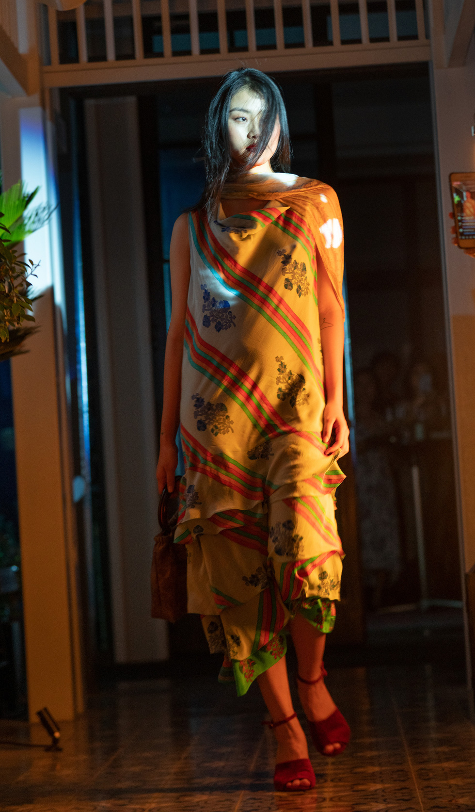 Nhà thiết kế Li Lam: Thời trang liên quan đến nội tâm nhiều hơn những gì hào nhoáng bên ngoài - Ảnh 8.