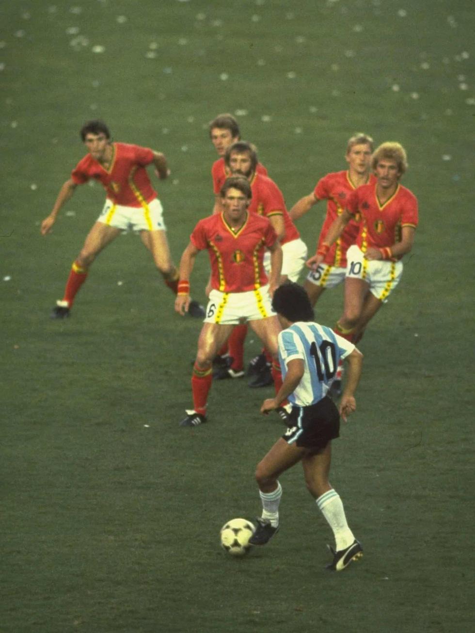 Sự nghiệp vĩ đại của Maradona qua ảnh - Ảnh 5.