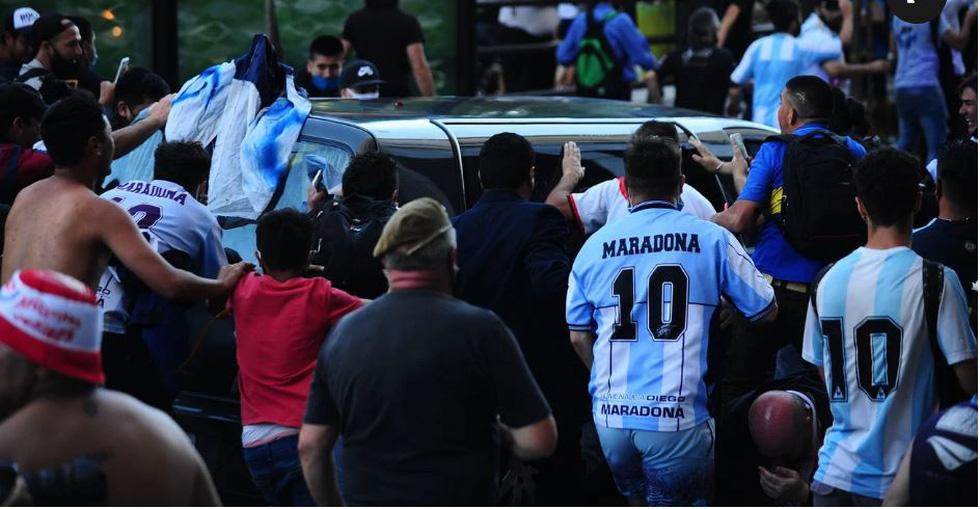 Tiễn đưa huyền thoại Maradona đến thiên đường - Ảnh 10.