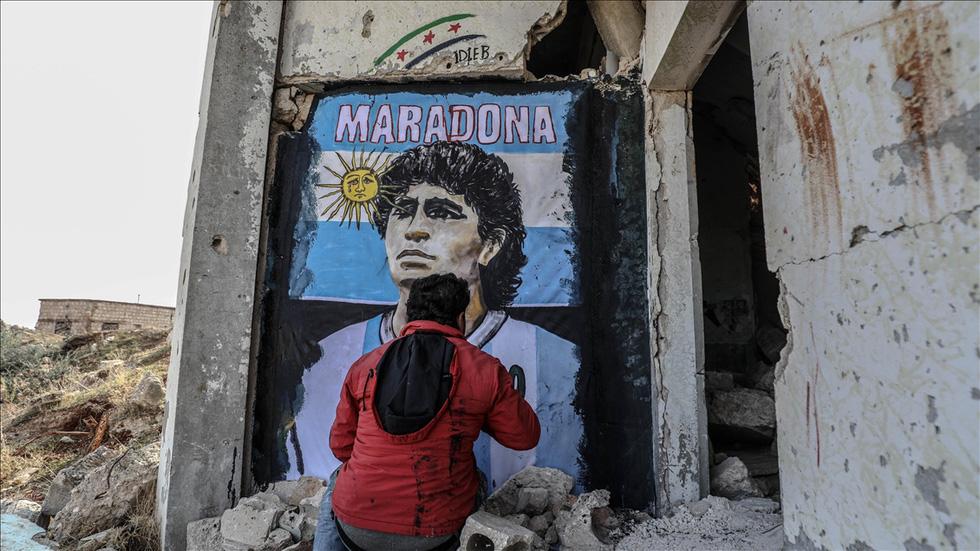 Maradona khiến mặt trời rơi lệ qua tài năng của nghệ sĩ graffiti nổi tiếng - Ảnh 5.
