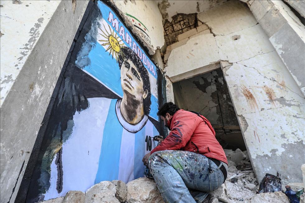 Maradona khiến mặt trời rơi lệ qua tài năng của nghệ sĩ graffiti nổi tiếng - Ảnh 6.