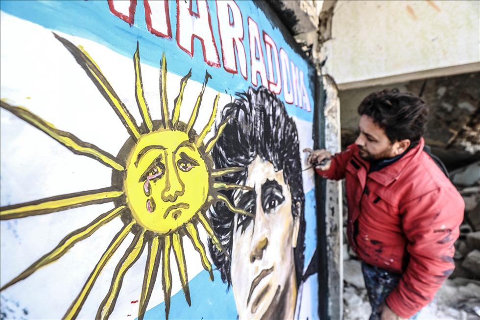 Maradona khiến mặt trời rơi lệ qua tài năng của nghệ sĩ graffiti nổi tiếng - Ảnh 1.