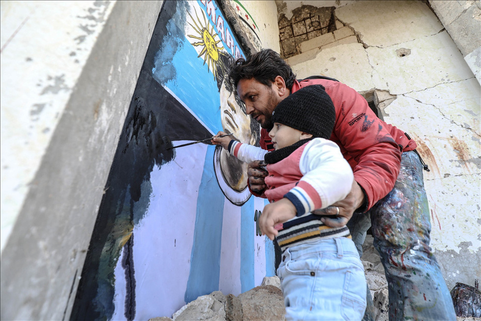 Maradona khiến mặt trời rơi lệ qua tài năng của nghệ sĩ graffiti nổi tiếng - Ảnh 8.