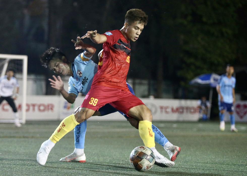 Các ngôi sao V-League khuấy động bóng đá phong trào TP.HCM - Ảnh 4.