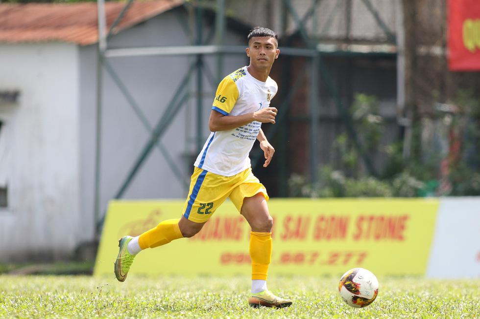 Các ngôi sao V-League khuấy động bóng đá phong trào TP.HCM - Ảnh 5.