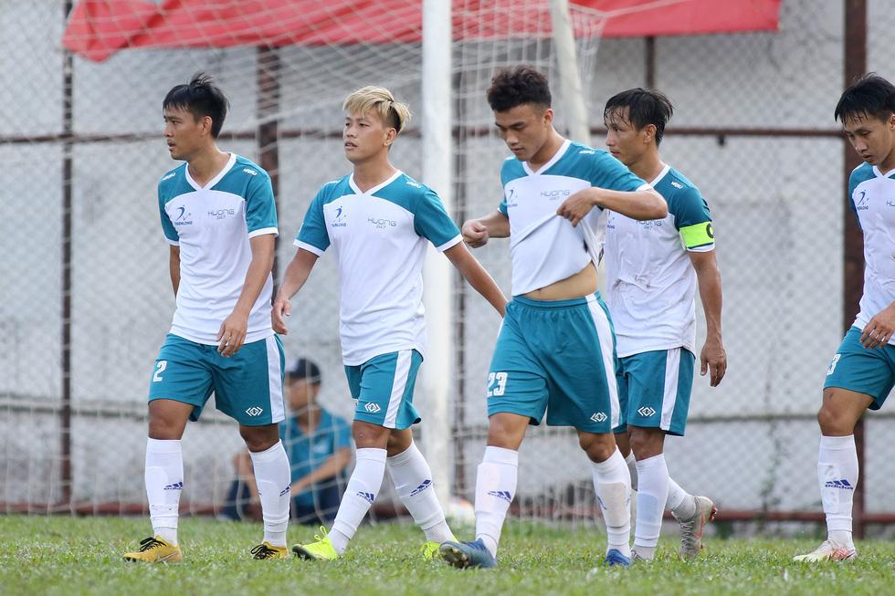 Các ngôi sao V-League khuấy động bóng đá phong trào TP.HCM - Ảnh 7.