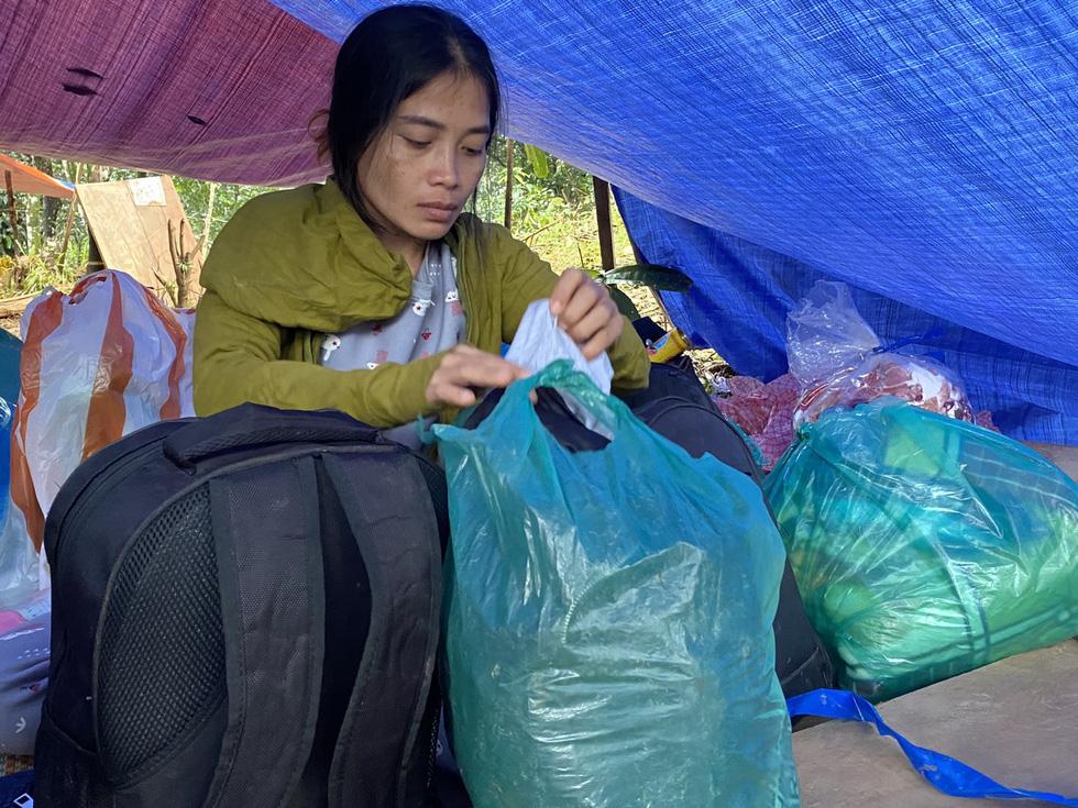 Lo sạt lở trở lại, Trà Leng gấp rút sơ tán dân chạy bão - Ảnh 14.