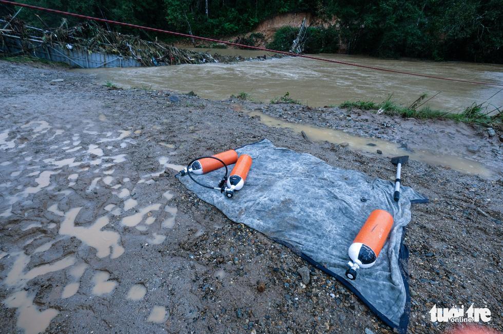 Tìm kiếm 2 nạn nhân mất tích trong chuyến đi rừng Bidoup - núi Bà gặp khó - Ảnh 4.