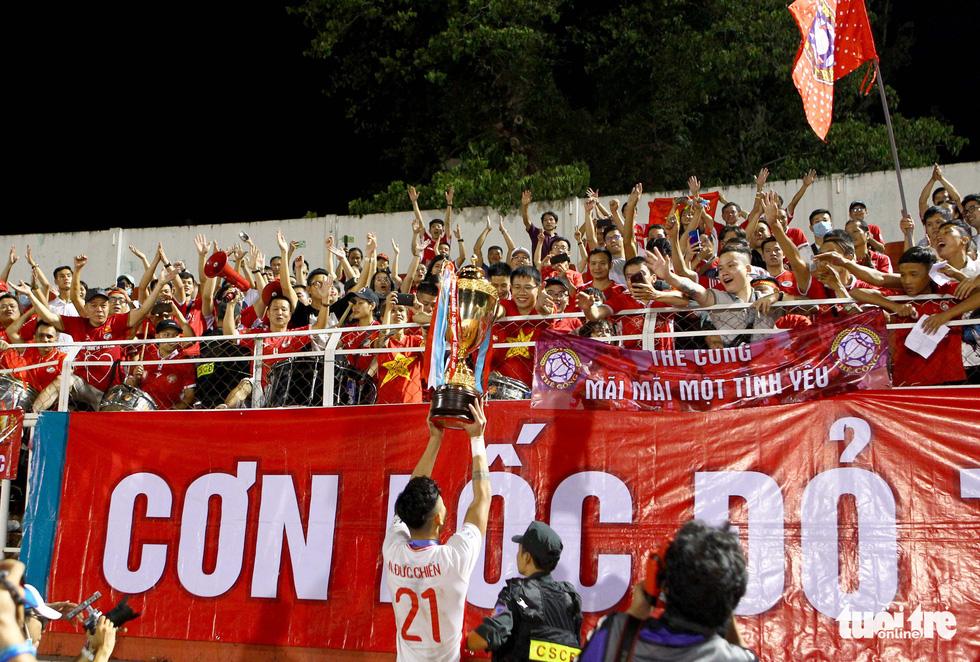 Khoảnh khắc hạnh phúc của Viettel - nhà vô địch V-League 2020 - Ảnh 8.