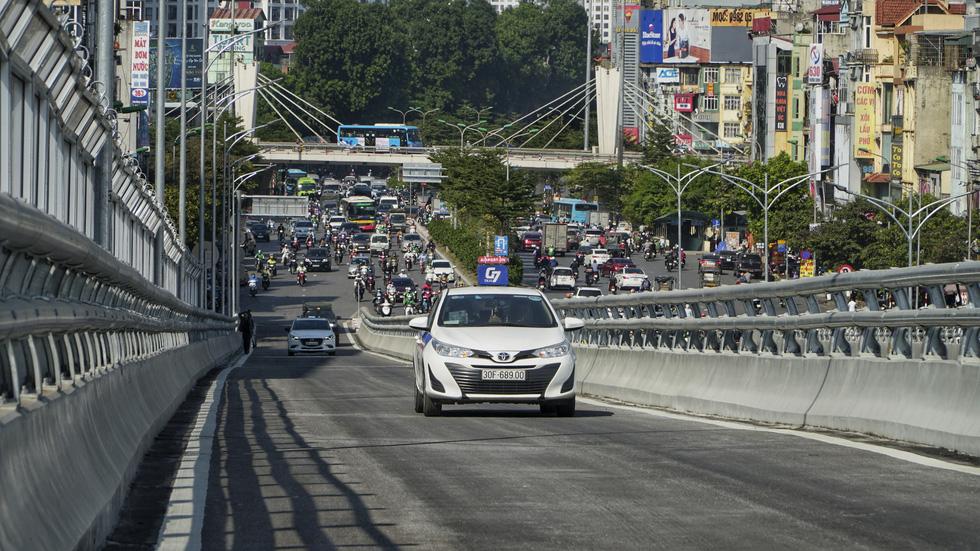 Hà Nội thông xe đường vành đai 2 trên cao, đoạn Ngã Tư Vọng - Ngã Tư Sở - Ảnh 4.
