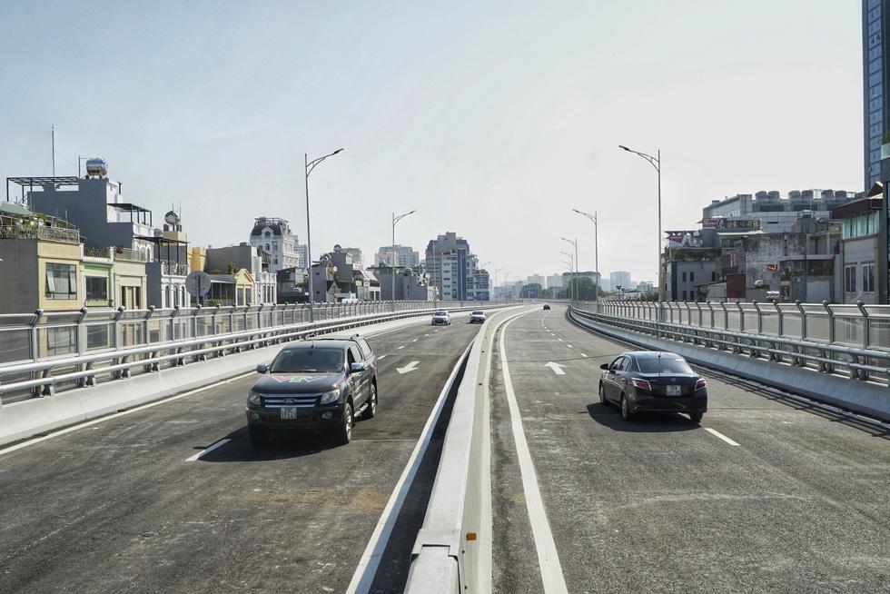Hà Nội thông xe đường vành đai 2 trên cao, đoạn Ngã Tư Vọng - Ngã Tư Sở - Ảnh 1.