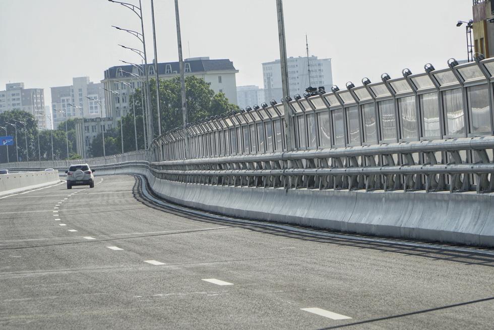 Hà Nội thông xe đường vành đai 2 trên cao, đoạn Ngã Tư Vọng - Ngã Tư Sở - Ảnh 6.