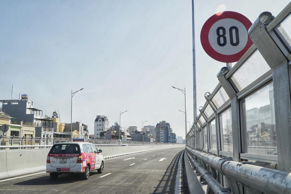 Hà Nội thông xe đường vành đai 2 trên cao, đoạn Ngã Tư Vọng - Ngã Tư Sở - Ảnh 5.