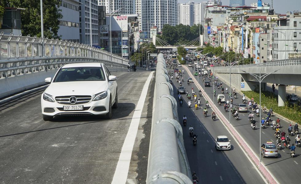 Hà Nội thông xe đường vành đai 2 trên cao, đoạn Ngã Tư Vọng - Ngã Tư Sở - Ảnh 9.