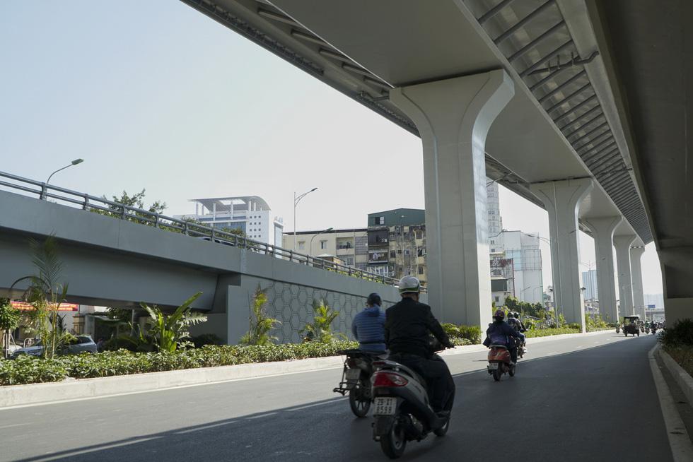 Hà Nội thông xe đường vành đai 2 trên cao, đoạn Ngã Tư Vọng - Ngã Tư Sở - Ảnh 8.