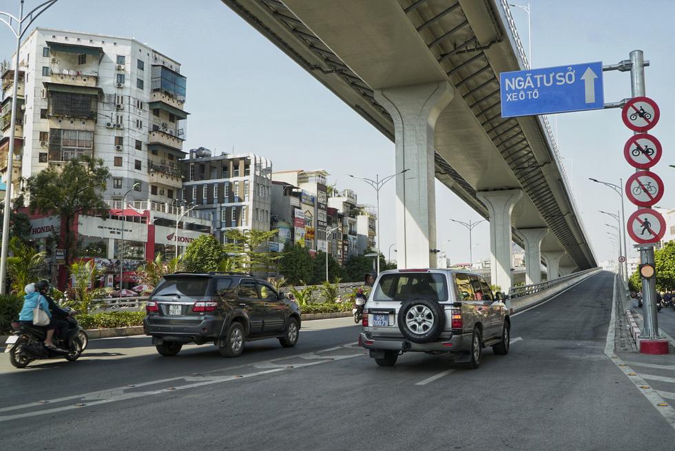 Hà Nội thông xe đường vành đai 2 trên cao, đoạn Ngã Tư Vọng - Ngã Tư Sở - Ảnh 3.