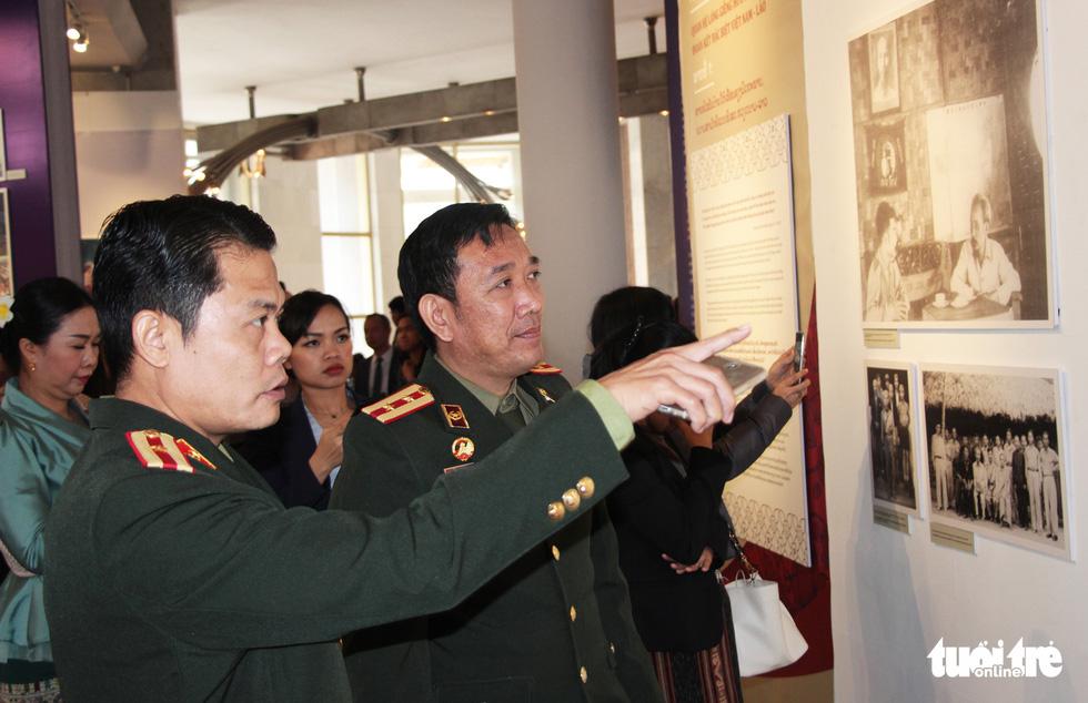 Triển lãm ảnh quan hệ hữu nghị đặc biệt Việt Nam - Lào - Ảnh 7.