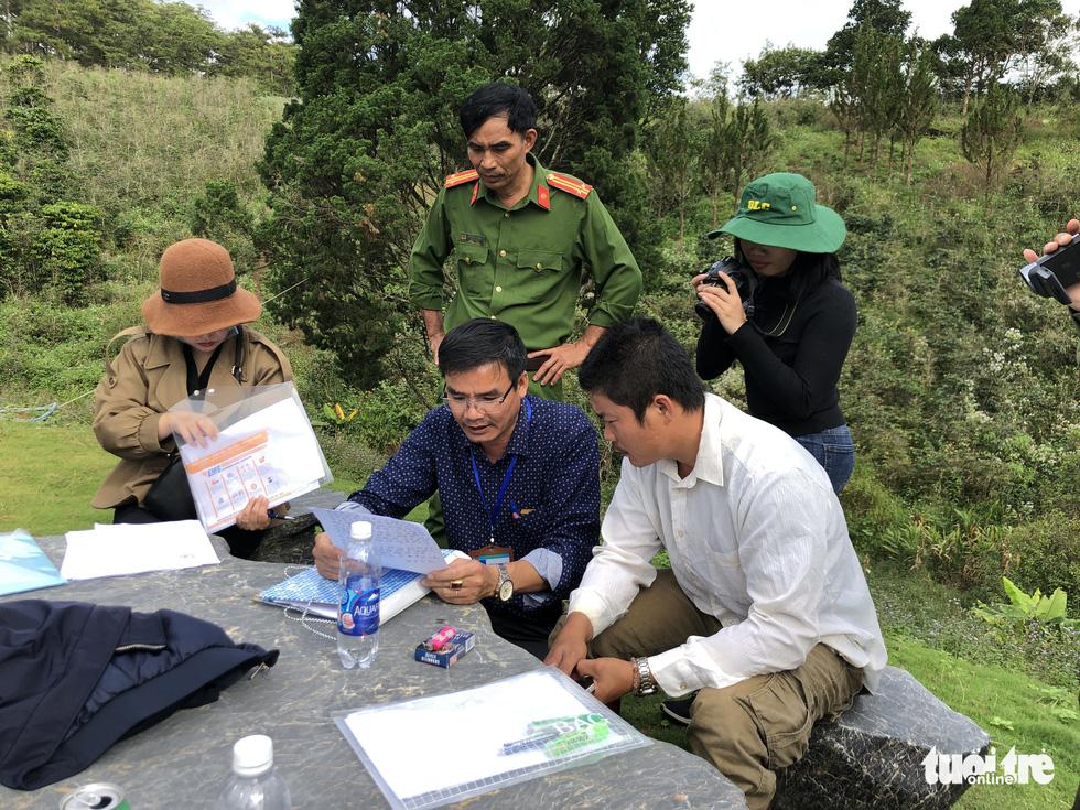 Cưỡng chế tháo dỡ làng biệt thự xây trái phép trên đất rừng ở Đà Lạt - Ảnh 4.