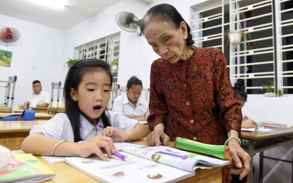 Bà giáo của những học sinh đặc biệt - Ảnh 4.