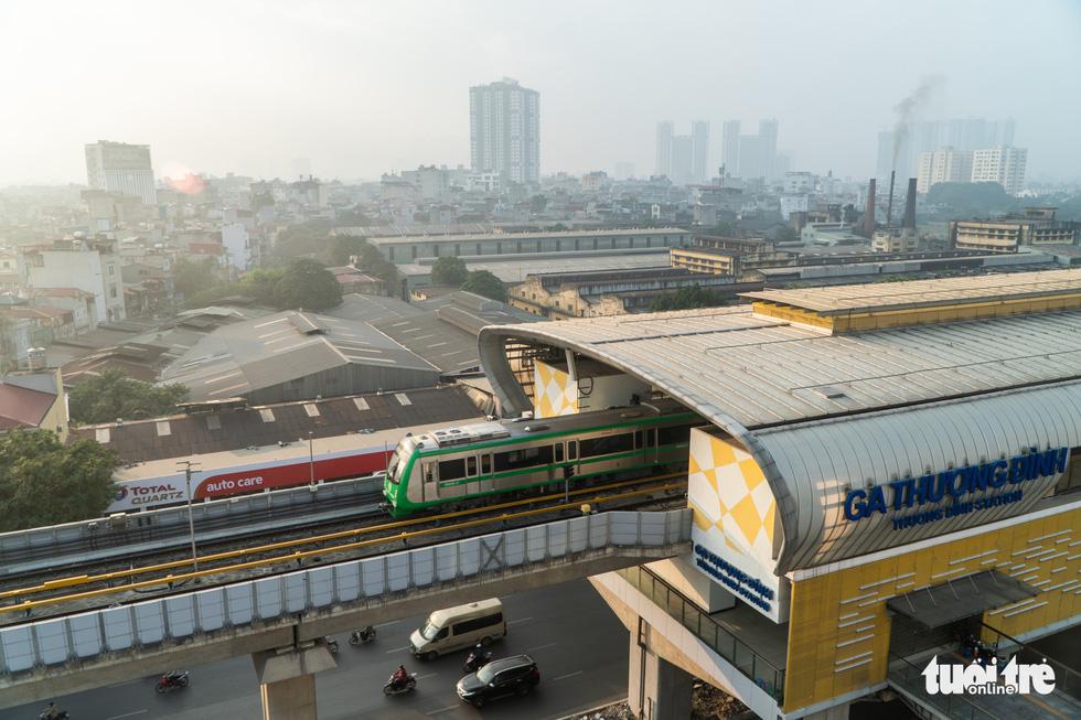 Ngắm đoàn tàu lần đầu chạy thử toàn tuyến trên đường sắt Cát Linh - Hà Đông - Ảnh 7.