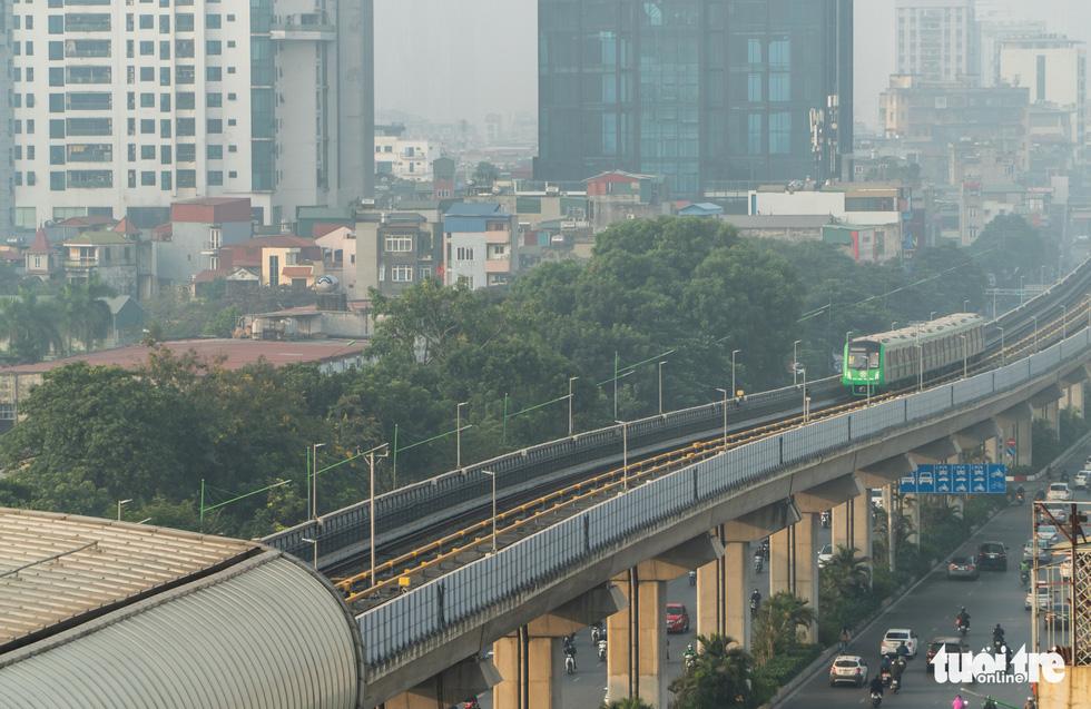 Ngắm đoàn tàu lần đầu chạy thử toàn tuyến trên đường sắt Cát Linh - Hà Đông - Ảnh 6.