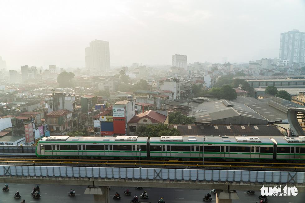 Ngắm đoàn tàu lần đầu chạy thử toàn tuyến trên đường sắt Cát Linh - Hà Đông - Ảnh 5.