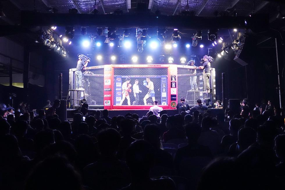 1.000 khán giả xem thi đấu thể thức MMA nghiệp dư tại Việt Nam - Ảnh 4.