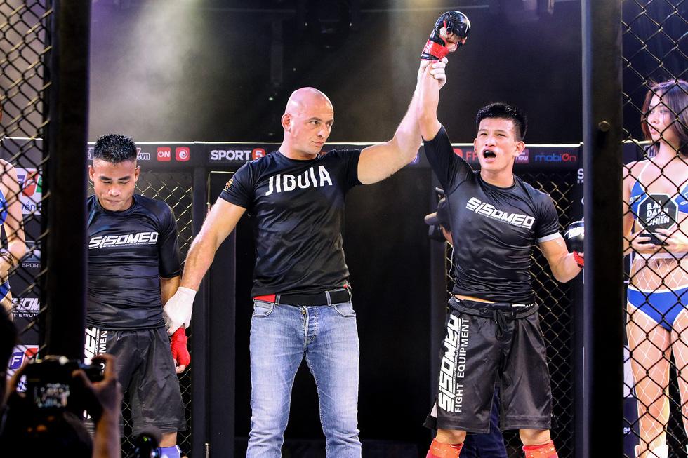 1.000 khán giả xem thi đấu thể thức MMA nghiệp dư tại Việt Nam - Ảnh 8.