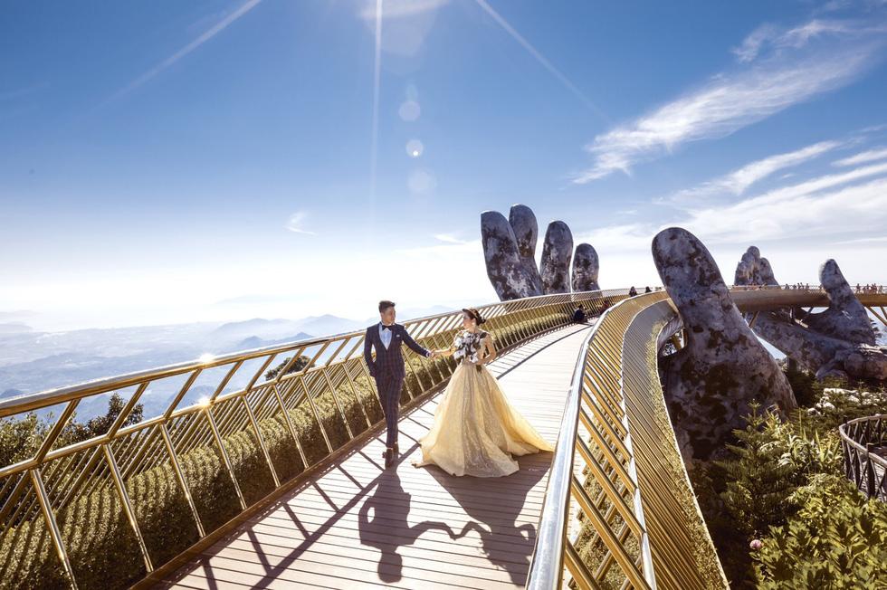 Cặp đôi người Việt lên rừng xuống biển, chụp ảnh cưới ở 11 tỉnh thành - Ảnh 6.