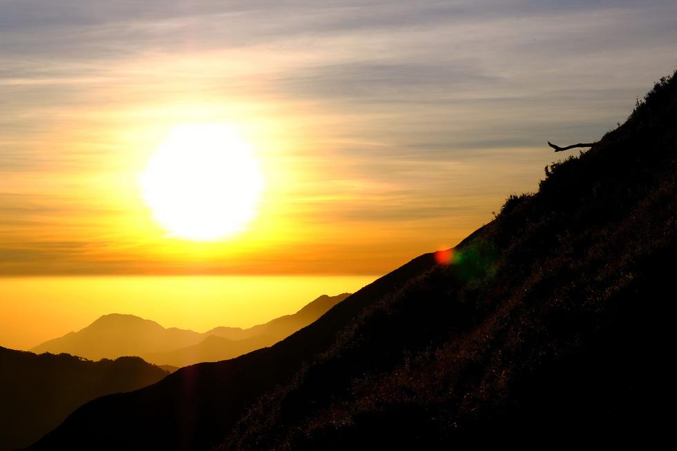 2 ngày leo đỉnh núi Tà Chì Nhù ngắm hoàng hôn tím lịm - Ảnh 5.