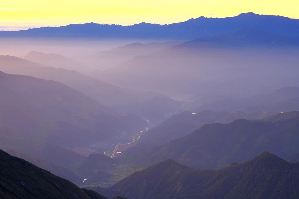 2 ngày leo đỉnh núi Tà Chì Nhù ngắm hoàng hôn tím lịm - Ảnh 10.