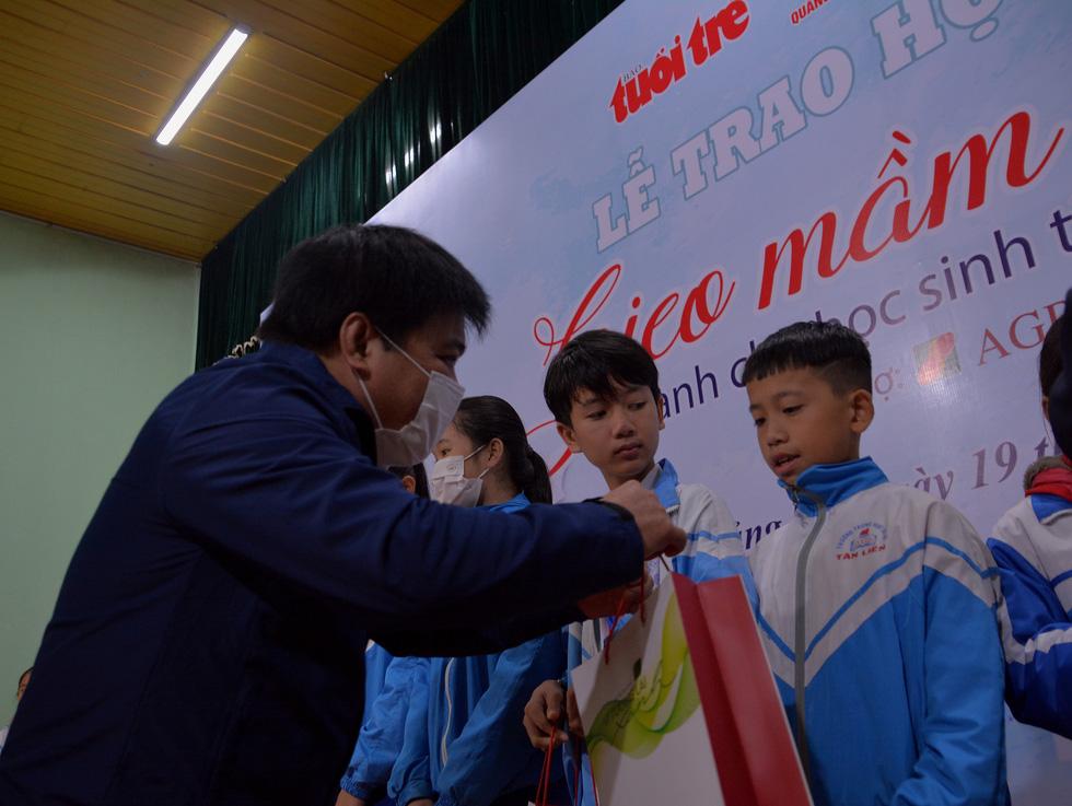 Mang niềm vui bất ngờ đến với học sinh Quảng Trị - Ảnh 3.
