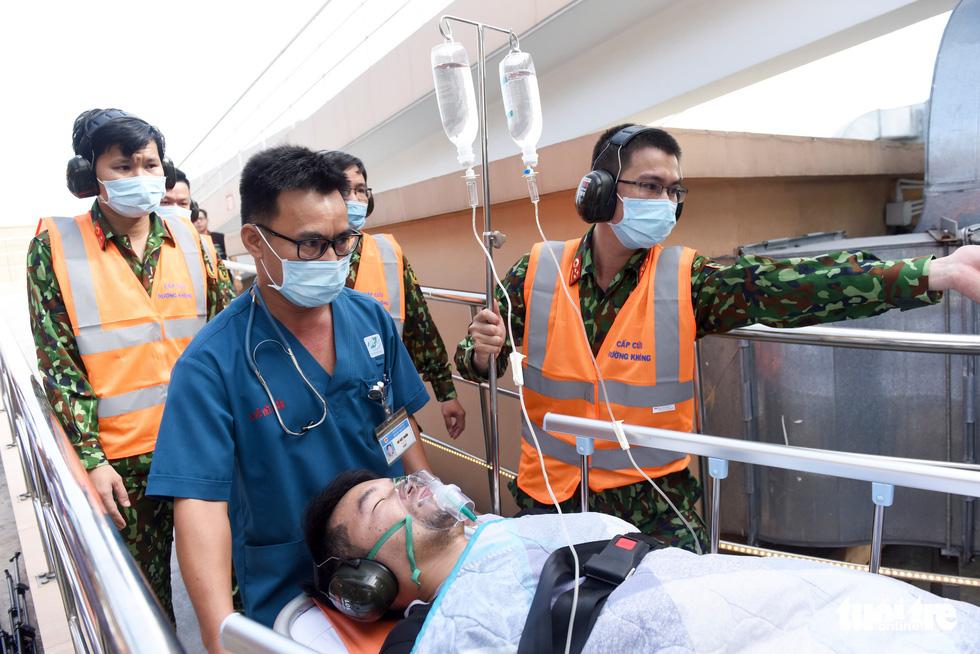 Sân bay cấp cứu bằng trực thăng đầu tiên của Việt Nam đi vào hoạt động - Ảnh 10.